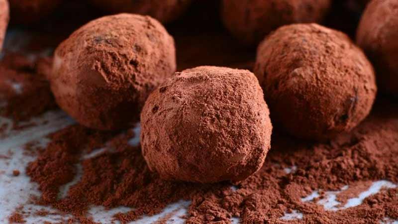 Como Fazer Trufas de Chocolate e Maracujá